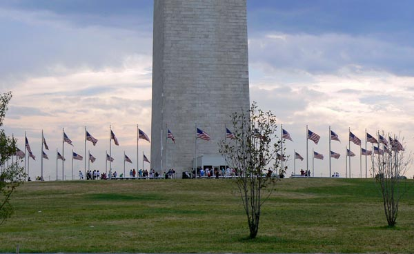 Photo of the flags surrounding the Washington Monument